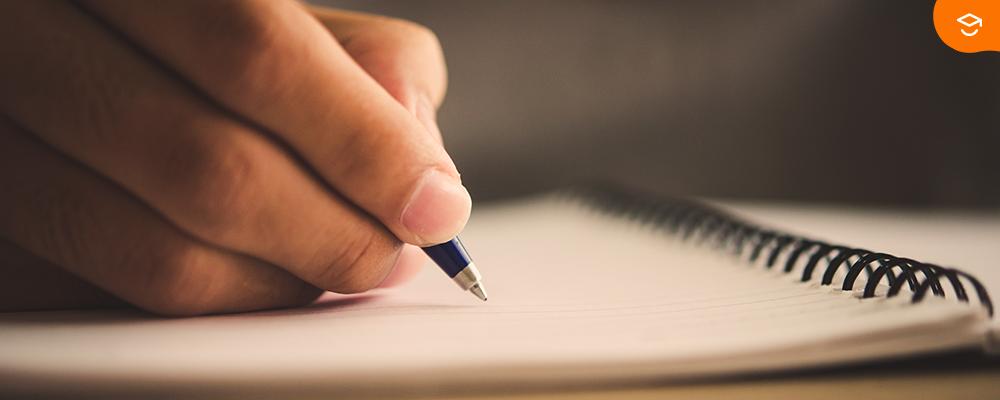 estudante-escrevendo-redação-nota-mil